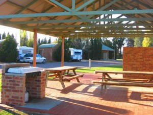 Coomealla Club Motel Caravan Park Resort